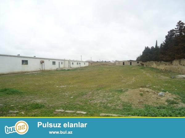 Masazırda Yeni-Bakı kompleksinin yaxınlığında,6 hektar çıxarışlı torpaq satılır...