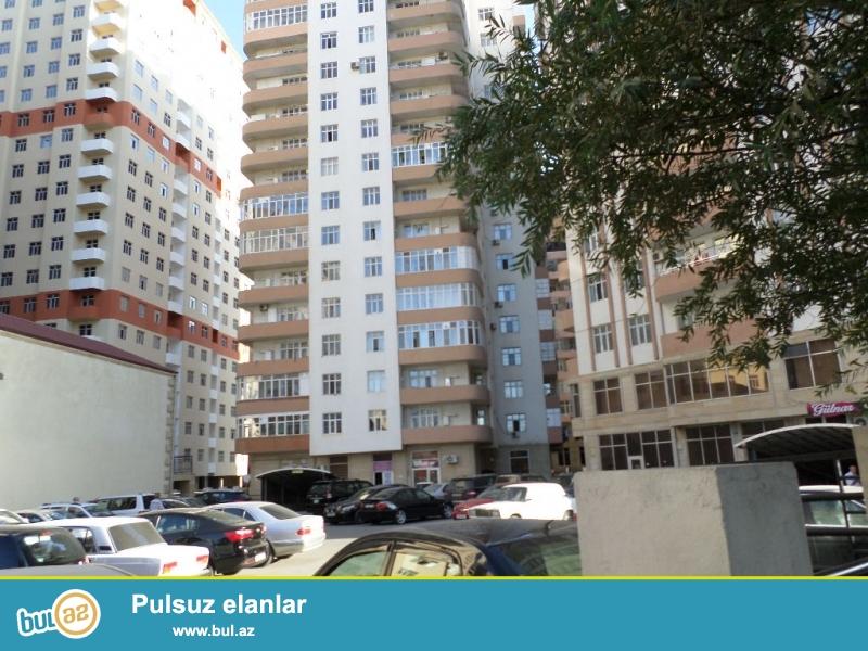 yeni yasamalda qazlı kupçalı böyük həyəti olan 16 mərtəbəli binanın 8-ci mərtəbəsində supertəmirli ev satılır.