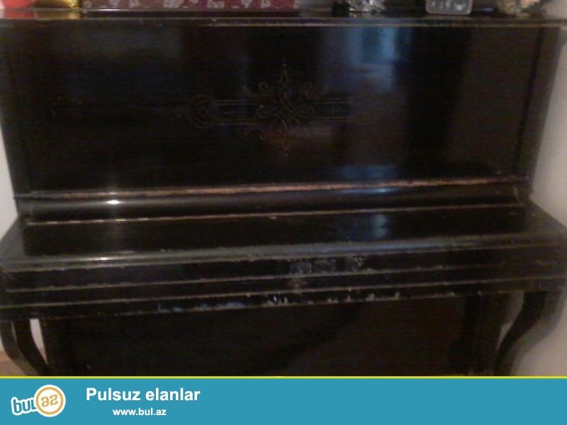 İşlənmiş belarusiya Piano satıram.<br /> yaxşı vəziyyətdədir 2-pedallıdır hərbir şeyi işləyir sadece mebeli cizilib onuda laklamaq olar...
