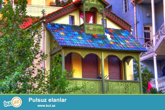 Əfsanəyə görə «Tbilisi» eramızdan əvvəl V əsrdə meşələrlə əhatə olunmuş qapalı bir yer olub...