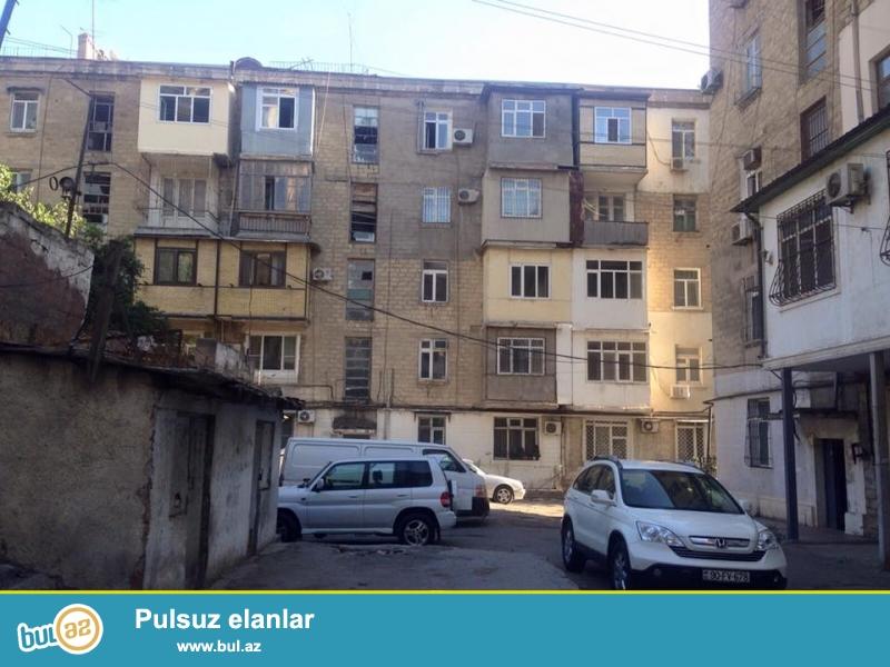 Срочно.<br /> В элитном районе столицы по улице Бакиханова, за «Министерством Финансов» продаётся 3-х комнатная квартира, объединили две 1 комнатные квартиры (1+1) в итоге получилась идеальная просторная квартира...