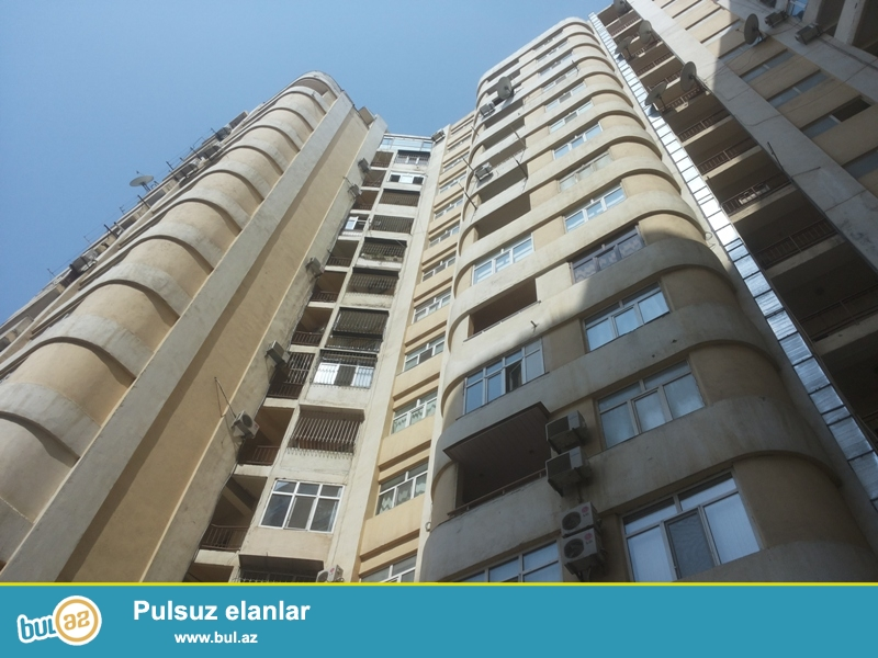 Продается 1-а комнатная квартира переделанная в 2-х комнатную, недалеко от проспекта Г...