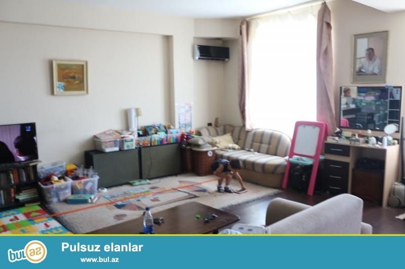 KUPÇALI YENİ TİKİLİ!!! Nəsimi rayonu, Hərbi Hospital (Papanin) və Rahat marketin yaxınlığında 15/18 ümumi sahəsi 55 kv...