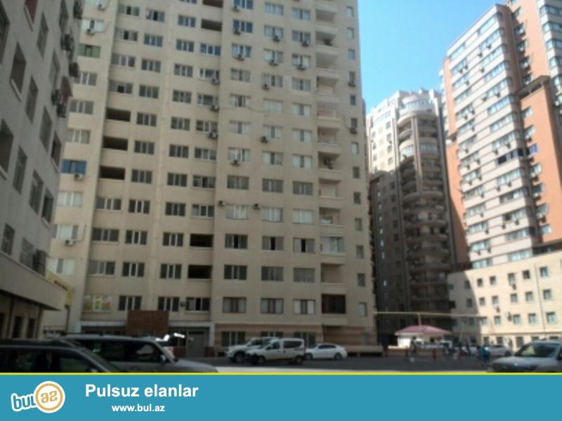 """Продается 2-х комнатная квартира переделанная в 3-х комнатную, около """"BAZAR STORE"""", «ЯПЫ ИНШААТ», заселенная новостройка, ГАЗ есть, 16/20, общая площадь 112 кв..."""