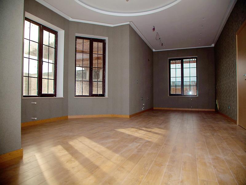 **РУФАТ*АЙНУР**   Продается  1-но   этажная новопостроенная   дача-дом   в   Шувелан-Маяк , в жилой   зоне,   строили   для   себя,   расположенная   на   6-ти   сотах,   проект   был составлен   архитектором,   4 комнаты,   120   кв...