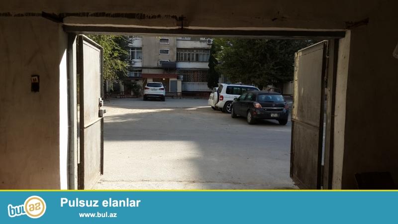 Binegedi r-nu, Naxchivani kuchesi,  6 nomreli binanin  garwisi<br /> Bow temiz dash garaj, wexsi ve obyekt uchun yararli...