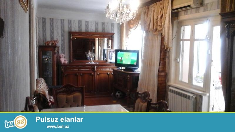 hörmətli müştəri Sabunçu rayon Bakıxanov qəsəbəsi Qara Qarayev 4 ünvanında həyət evi satılır...