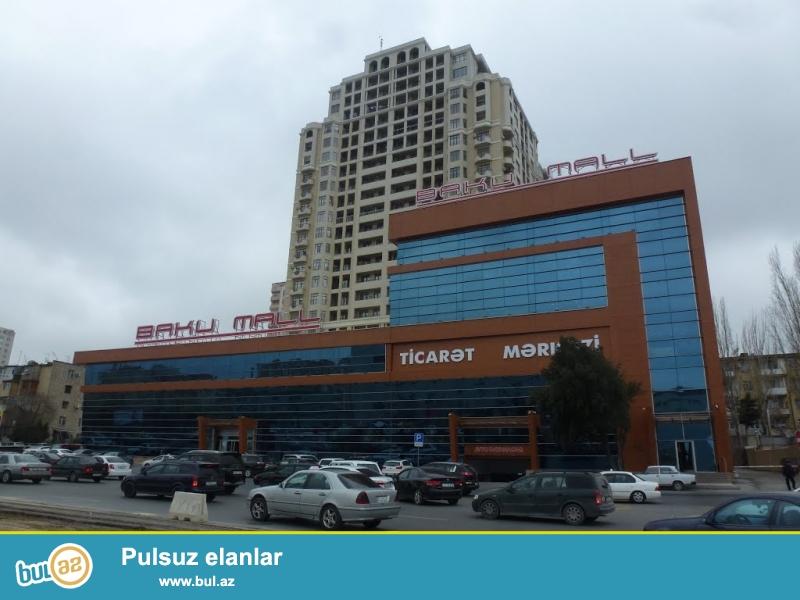 Tecili Qələbənin dairəsində Baku Mall-un üstündə 16/5, 3 otaq 130kv...