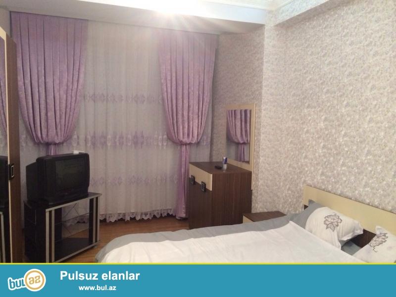 Очень срочно!  Рядом с парком Зарифа Алиевы в *Шурур МТК*сдается в аренду  3-х комнатная квартира  нового строения   15/18, площадью  110   квадрат...