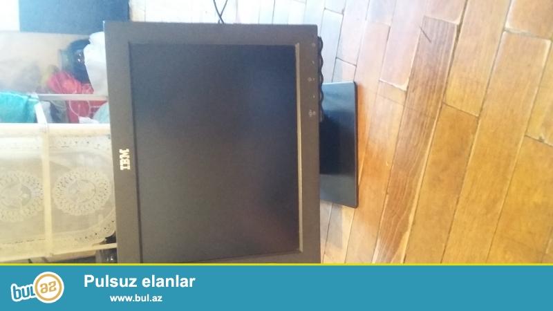 Monitir satilir 17 ekran monitorun hec bir problemi yoxdur az isledilib maraqlananlar zeng vura bilerler