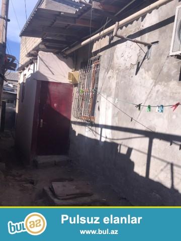 Sabunçu rayonu, Ramana qəsəbəsi, aeroport yolunun üstündə, əsas yoldan 100 metr məsafədə təcili ev satılır...