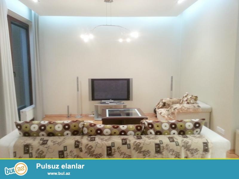 **РУФАТ*АЙНУР**   Сдается   3-х    комнатная квартира  у    ГРИН   ПАРКА,   рядом    Зоопарка,  с  отличным   евро   ремонтом,   11  2,   120  кв...