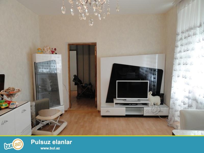 Продается 2-х комнатная квартира, по улице Бакиханова, недалеко от посольства России, проект сталинка, каменный дом, 2/5, общая площадь 60 кв...