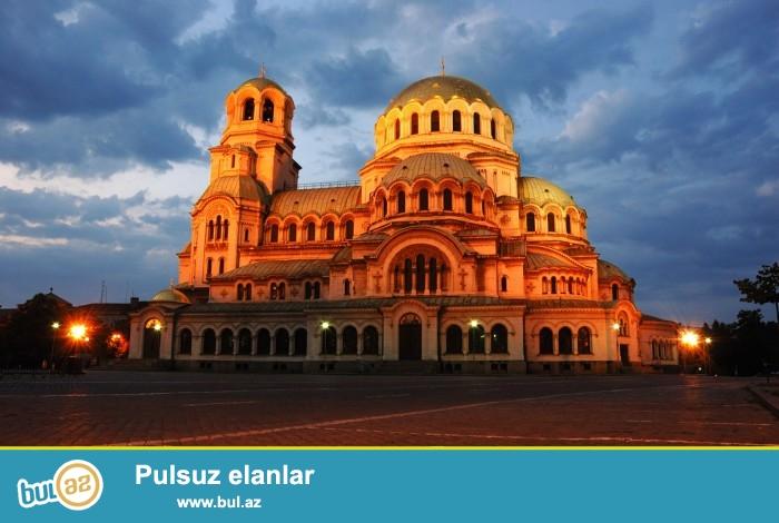 Столица Болгарии София — один из самых древних городов Европы, в котором сохранилось множество замечательных образцов церковной и исторической архитектуры...