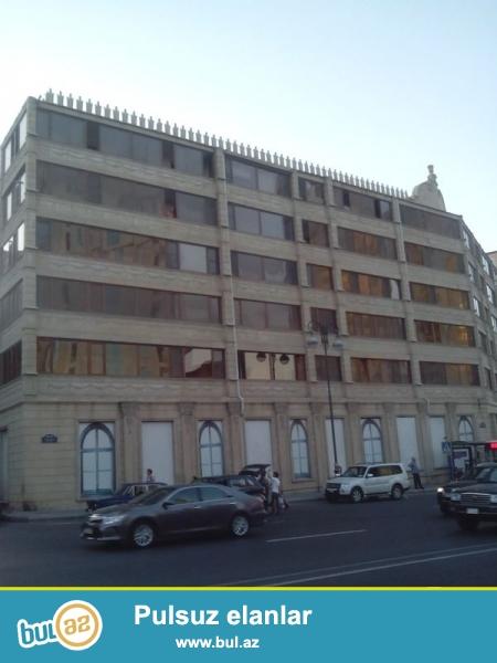 Продается 2-х комнатная квартира, по проспекту Строителей, около Статистики, экспериментальный каменный дом, 5/6, общая площадь 45 кв...