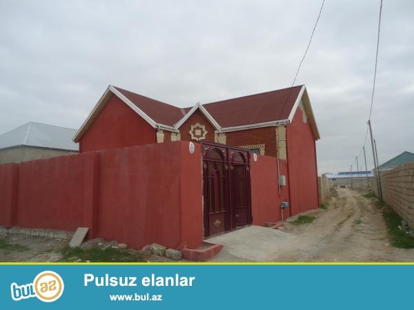 Seymurun evi Yeni Ramana savxozu daş karxanası deyilən ərazidə 166 nömrəli marşuruta 50 metr məsafədə 1...