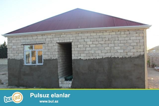 Sabunçu rayonu, Maştağa qəsəbəsi, pajarnının yaxınlığında 4 sot torpaq sahəsində qoşa daşla tikilmiş 3 daş kürsülü ümumi sahəsi 140 kv...