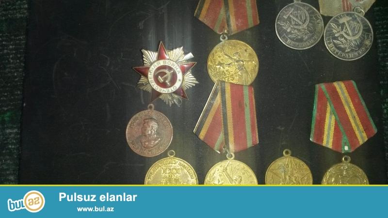 Stalin medali 1941\r\nStalin medali 1941_1949\r\ncccr medali 1918_1988\r\nve birlikde  9  eded medal\r\n-