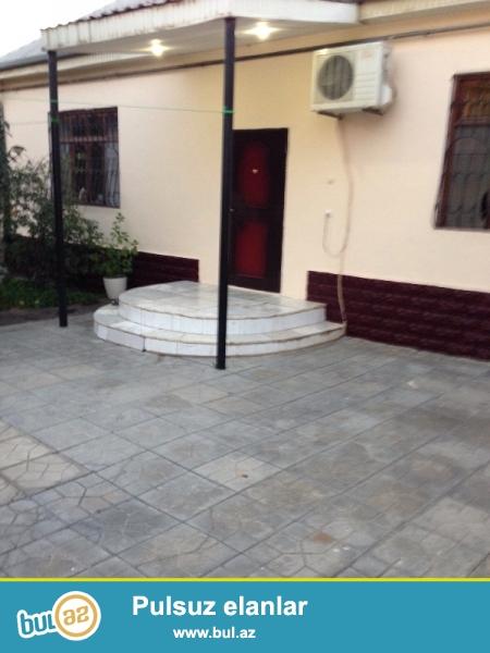 Xətai rayonu, H.Aslanov qəs., 6 sot torpaq sahəsi üstündə 4 otaqlı, təmirli həyət evi satılır...