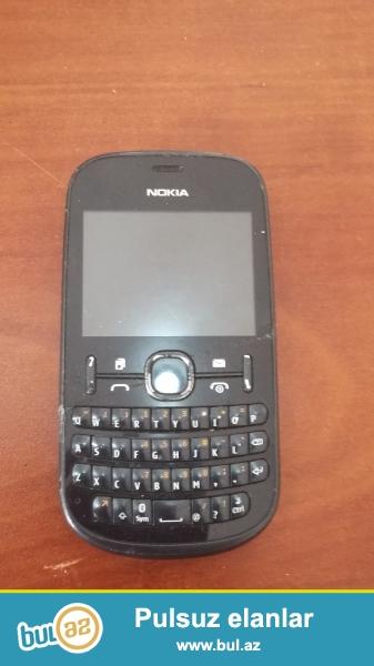 Nokia asha 200 telefonu normal veziyyetde ekrani sinib 7 m xerci var...