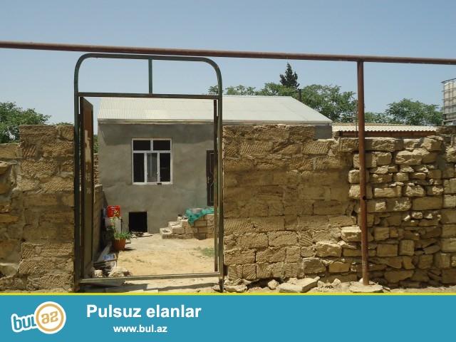 RAMIZ Sabunçu rayonu, Maştağa qəsəbəsi baş yoldan 250 metr məsafədə 255 və 128 saylı orta məktəbin yaxınlığında, marşrut yoluna yaxın 2,5 sot torpaq sahəsində 5 daş kürsülü ümumi sahəsi 90 kv...