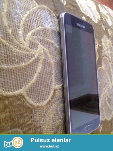Samsung Galaxy S5 satiram. Pulu 2 defeye vermekle cemi 270AZN...
