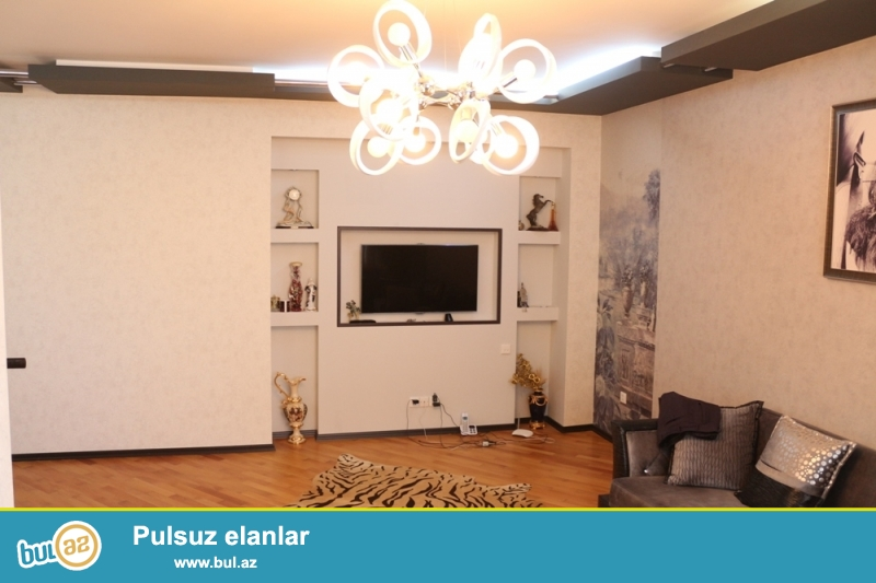 KUPÇALI YENİ TİKİLİ!!! Yasamal rayonu, Xarici İşlər Nazirliyi yaxınlığında 14/17 ümumi sahəsi 115 kv...