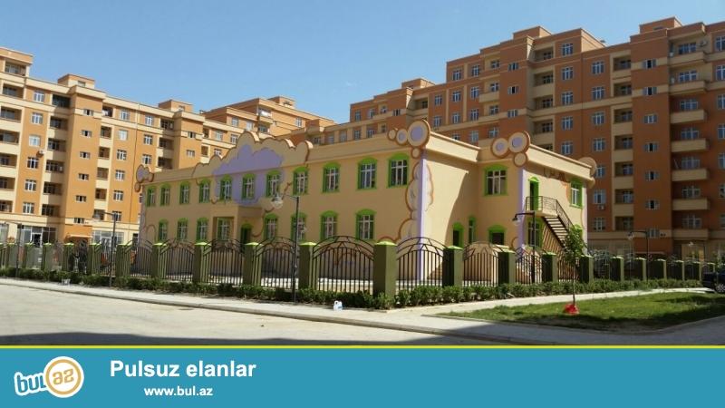 Masazir q.Ilin Dord Fesili inşa etdiyi Yeni Baki yaşayiş kompleksi 3 cu P şekilli bina 9 mertebenin 5 ci mertebesinde 2 otaq sahesi 71 kv kecle suvanmiw menzil satilir...