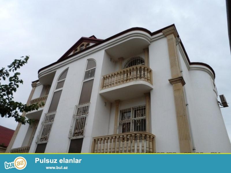 Очень срочно! За Хезер ТВ расположенная на проспекте Ататурк , продается  3-х этажная ,7-и комнатная вилла , площадью 450 квадрат , расположенная на 5-ти сотках...