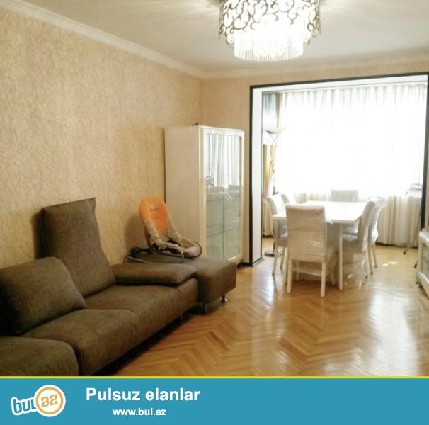 **РУФАТ*АЙНУР**  Сдается   2-х  комнатная квартира   по   проспекту   Азадлыг,   возле   парка Кероглу...