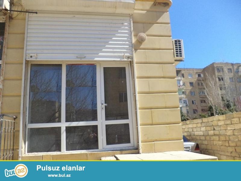 Yasamal rayonu, Yeni Yasamal qəsəbəsi, Qismət şadlıq evinin arxasında 1/16 ümumi sahəsi 20 kv...