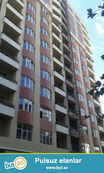 В районе м. Низами, в элитном, полностью заселенном комплексе сдается 3-х комнатная квартира, 14/2, общая площадь 93 кв...