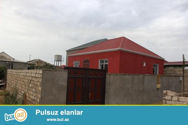 Sabuncu rayonu, Zabrat 1 qəsəbəsində, Yaxın marketin yaxınlığında 1,7 sot torpaq sahəsində, qoşa daşla tikilmiş 9 daş kürsülü, ümumi sahəsi 69 kv...