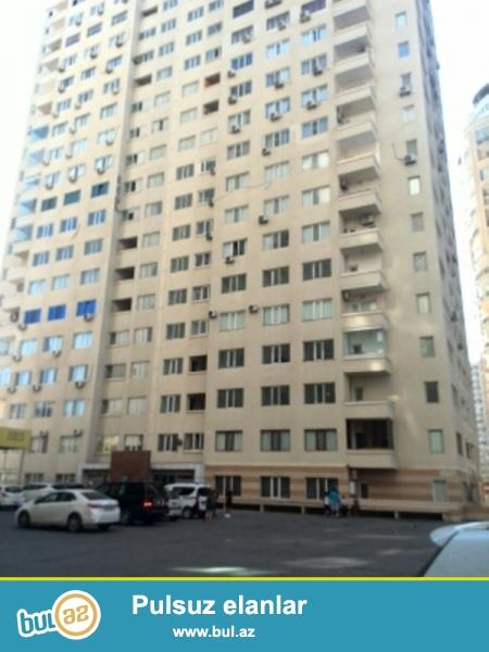 """Продается 4-х комнатная квартира, недалеко от метро Хатаи, около маркета """"BAZAR STORE"""", в полно заселенном новопостроенном доме, «ЯПЫ ИНШААТ», 11/19, общая площадь 211 кв..."""
