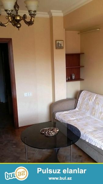 Cдается 4-х комнатная квартира в центре города, по проспекту Матбуат, рядом с Милли Меджлисом Этаж 4/10...