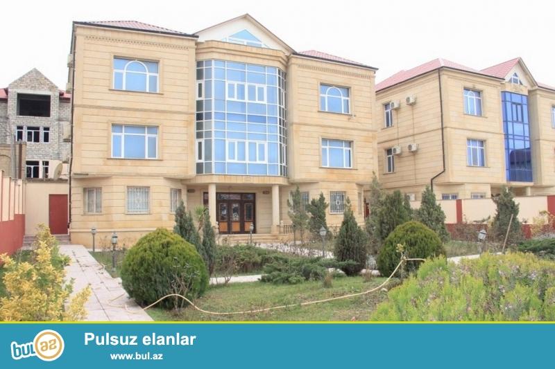 Срочно! В элитном участке  Бадамдарта продаётся 3-х этажная  , 8-и комнатная, площадью 660  квадрат вилла , расположенная на  9-ти сотках приватизированного земельного участка...