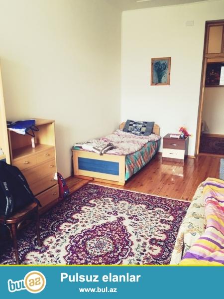 Очень срочно! Pядом с м/с Низами , продаётся  3-х комнатная квартира нового строения , 7/14     137 квадрат, квартира с евроремонтом...