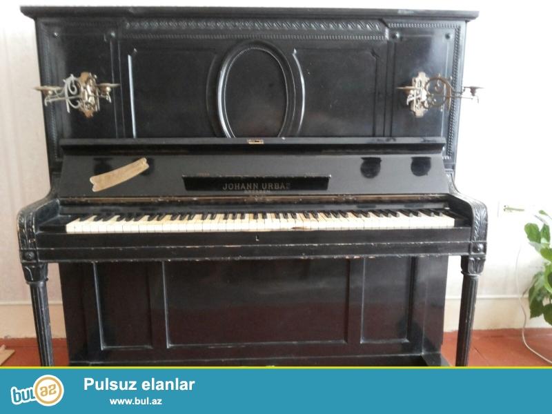 19-CU esre aiddir. antik pianinodur. muzeyde qeydiyyati var.