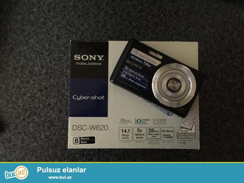 Teze Sony fotoaparat satilir. Karobka, usb sunuru ve adaptoru var...