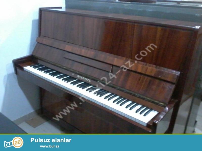 """""""BELARUS"""" Piano satıram. Yaxşı vəziyyətdə, köklənmişdir, iki pedallıdır..."""