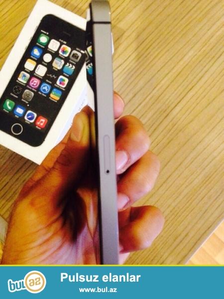 Tecili Satılır iPhone 5S Space Grey telefonun karopkası senedi adapdır nauşniki var Telefon şekildeki di  gördüyünüz kimi Hec Bir Cızıgı eziyi Yoxdu Çox seliqeli işledilib  Qiymet Sondu ...