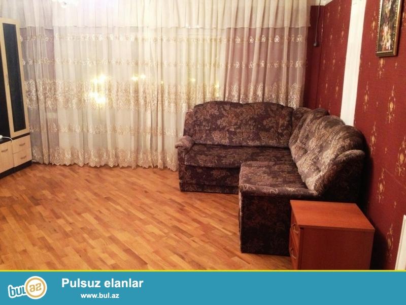 Срочно! По улице Физули, за дворцом Гейдара Алиева продается 2-х комнатная квартира, старого строения 5/9, ленинградский проект, площадью 50 квадрат...