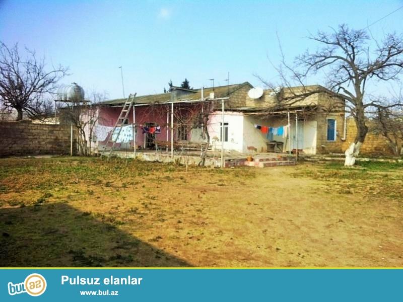 Срочно! Продаётся частный дом в посёлке Мардакан в 300 м от центральной дороги, рядом с лагерем с участком 10 сот, площадь дома 100 квадрат, 3 комнаты...
