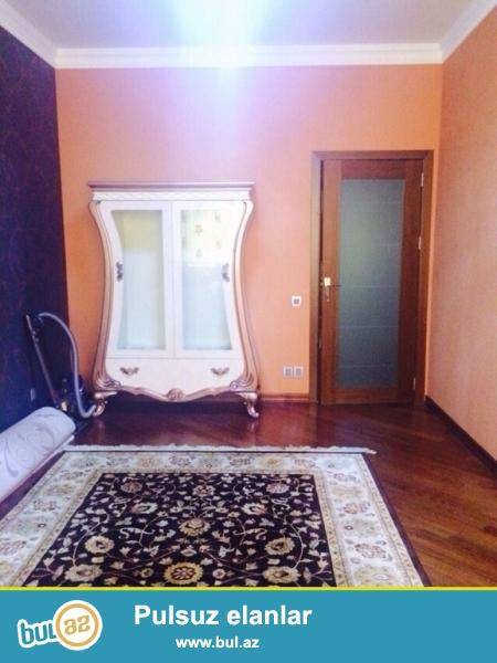 Очень срочно! Рядом с парком   Зарифа   Алиевы  продается   3-х комнатная квартира  нового строения   4/17, площадью  146   квадрат...