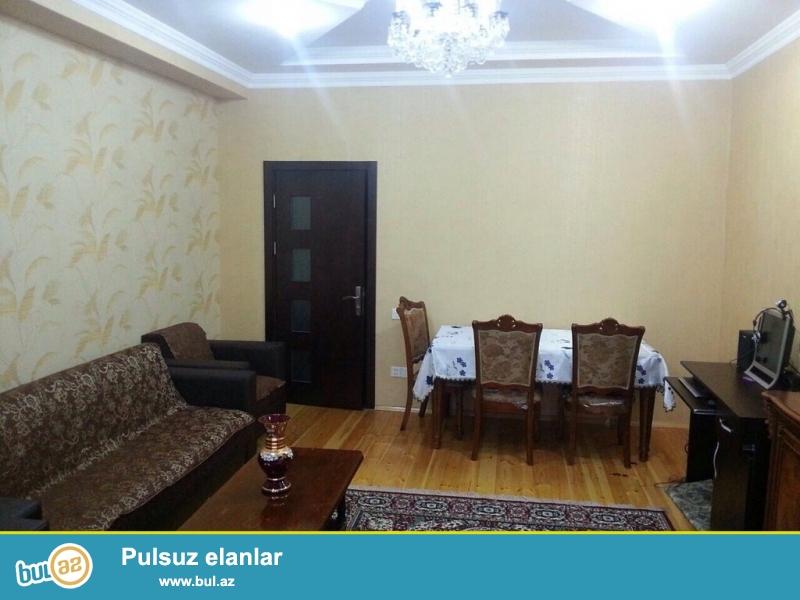 Очень срочно! В элитном комплексе  рядом с метро Ахмедлы  продается 2-х комнатная квартира  нового строения 5/18, площадью 90  квадрат...