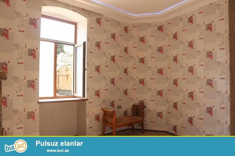 Səbail rayonu, İçərişəhər metrosu, Təzəbəy hamamı və Nazirlər kabinetinin yaxınlığında 2/2 ümumi sahəsi 45 kv...