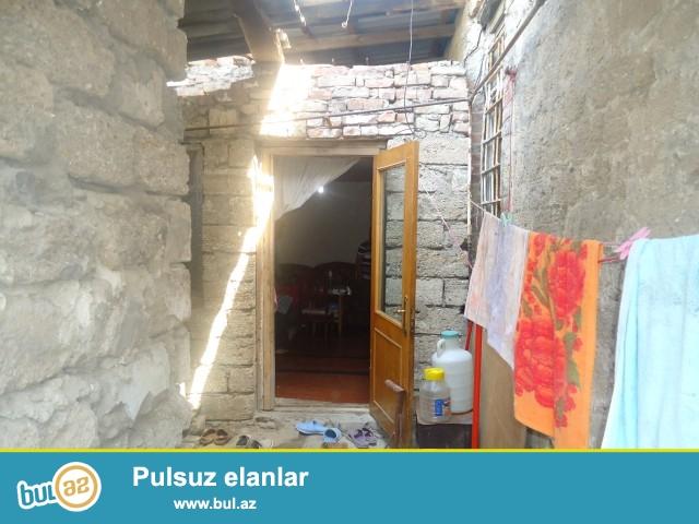 Sabunçu rayonu,  Zabrat 1 qəsəbəsi , frunze küçəsi  hərbi zavodun yaxınlığında  ümumi sahəsi 80kv...
