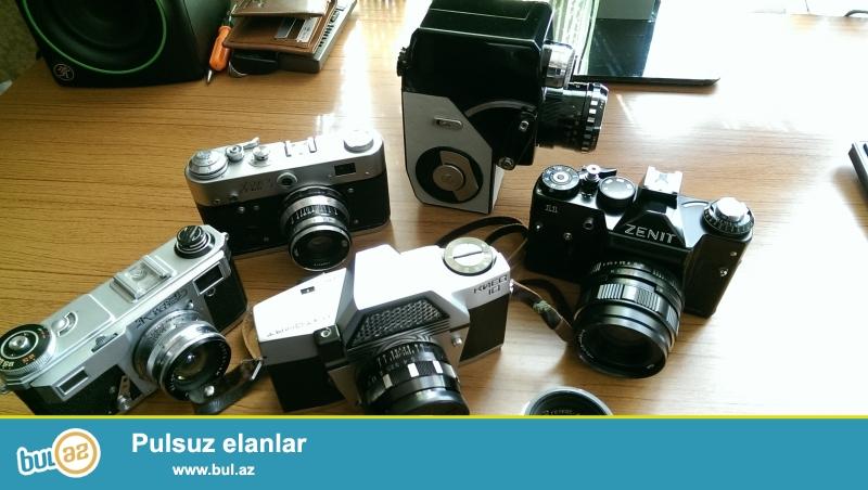 Qedimi fotoaparatlar satilir. 1947-1965 ci iller erzinde istehsal olunmush fotoaparatlardir...