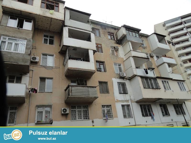 Продается 2-х комнатная квартира переделанная в 3-х комнатную,  по проспекту Г...