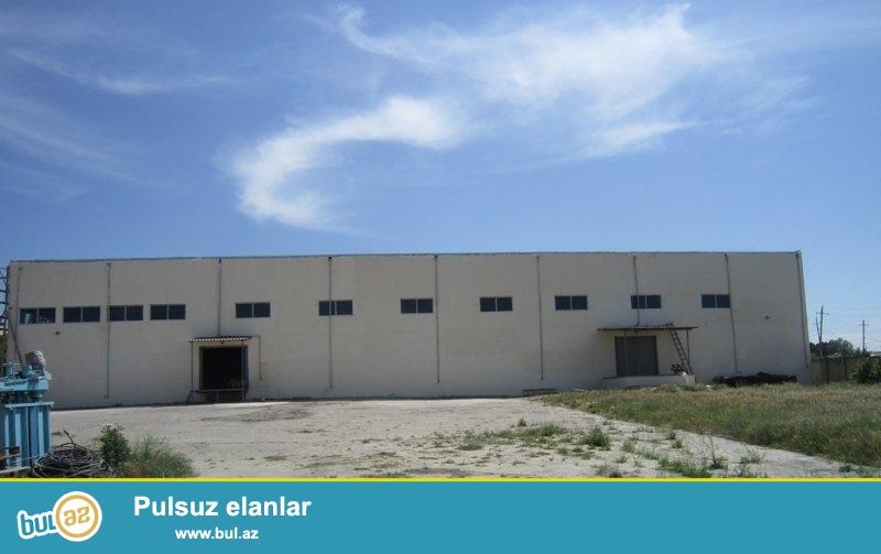 Babək prospektinde 30sotda 2200kvm sənədləri qaydasında anbar satılır - 1...